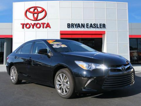 Pre-Owned 2017 Toyota Camry XLE FWD XLE 4dr Sedan