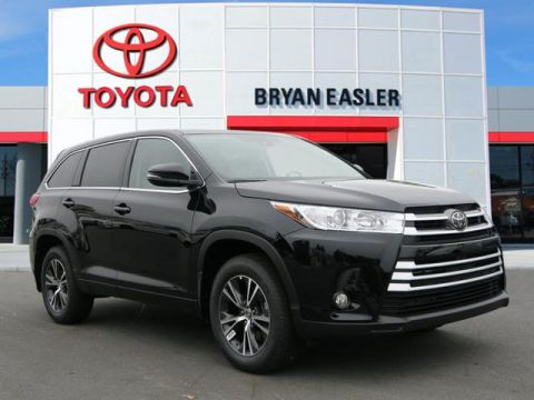 New 2017 Toyota Highlander LE PLUS 4WD