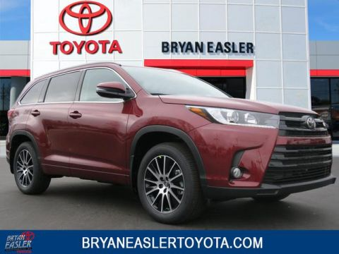 New 2018 Toyota Highlander SE With Navigation & 4WD